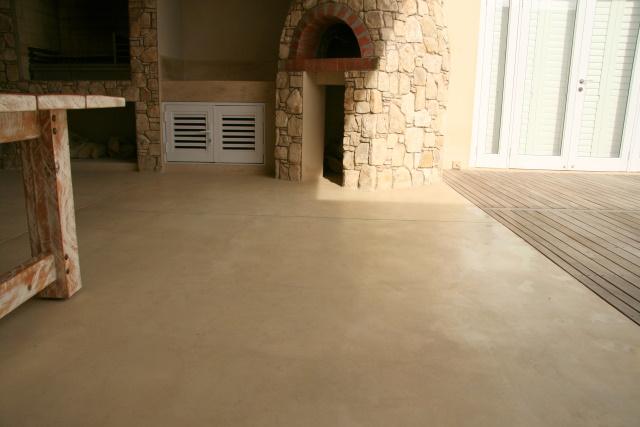 Stilbaai Builders - Stylish Homes colour pigmented flooring